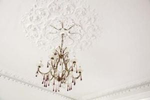 article-new-ehow-images-a07-v8-nf-foyer-chandelier-ideas-800x800
