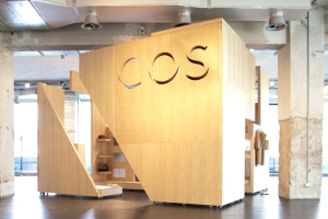 COS-Pop-up-shop-Milan0