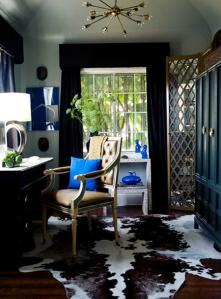 Gabriel-Hendifar-office-cowhide-neoclassical-chair-mirrored-screen